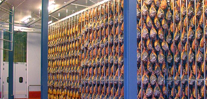 En este momento estás viendo Secaderos de jamones: Otra especialidad de AISLASUR